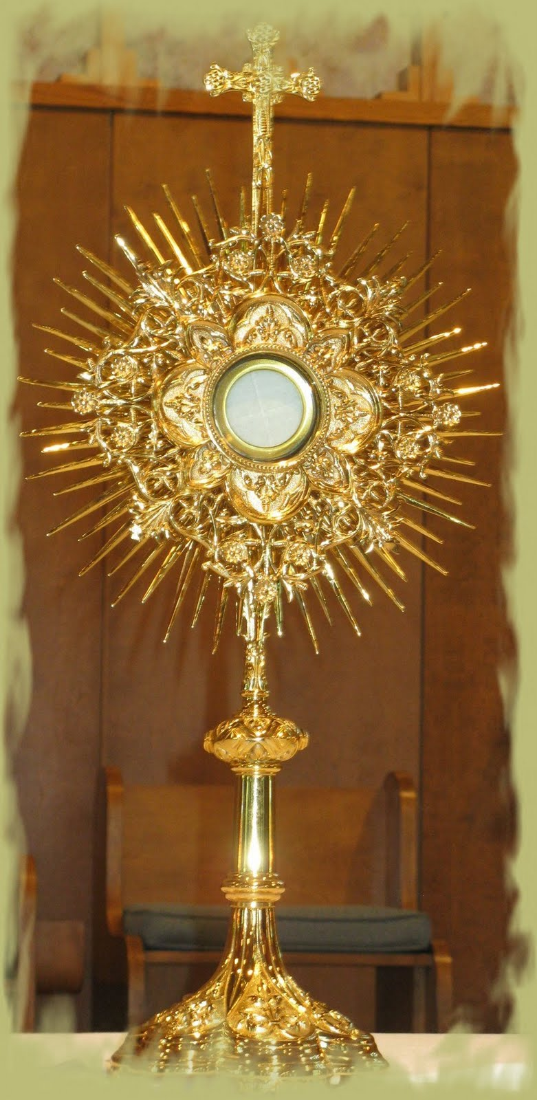 essay about holy eucharist From the opening paragraphs of the second vatican council, one discovers a renewed emphasis upon the holy eucharist as the central focus in the church's prayer life.