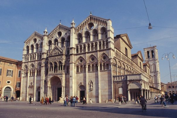 God might be Italian: The Cathedral in Ferrara