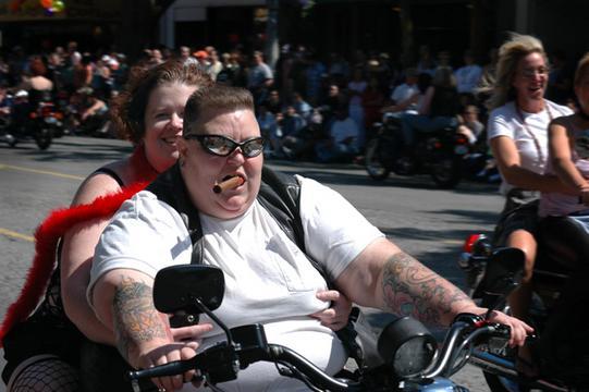 Dwarf lesbians