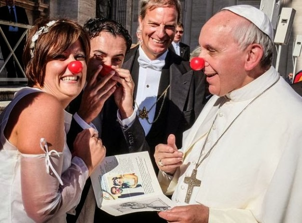 Pope-Francis-clown-nose