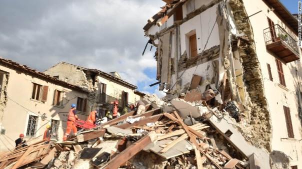 160824110618-italy-earthquake-debris-exlarge-169