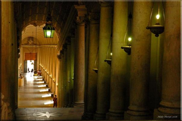 58608414-vaticancorridor